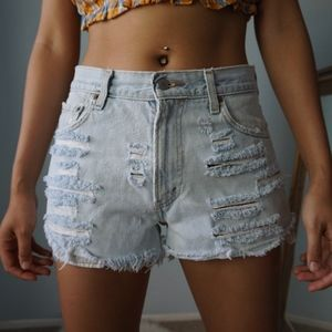 Vintage Levi's 550 Distressed High Rise Cutoffs